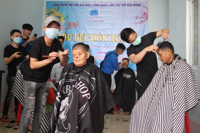 Bình Định: Mang Xuân yêu thương đến người nghèo huyện miền núi - 3
