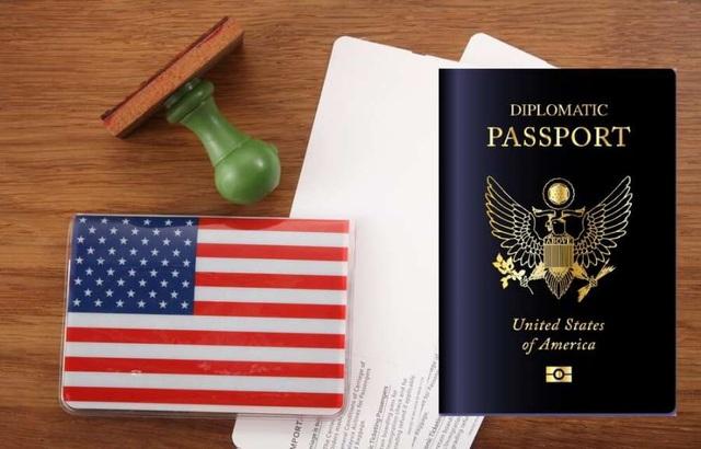 Cận cảnh tấm hộ chiếu nhiều đặc quyền của các Tổng thống Mỹ - 5