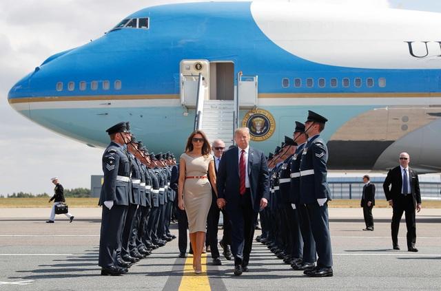 Cận cảnh tấm hộ chiếu nhiều đặc quyền của các Tổng thống Mỹ - 7