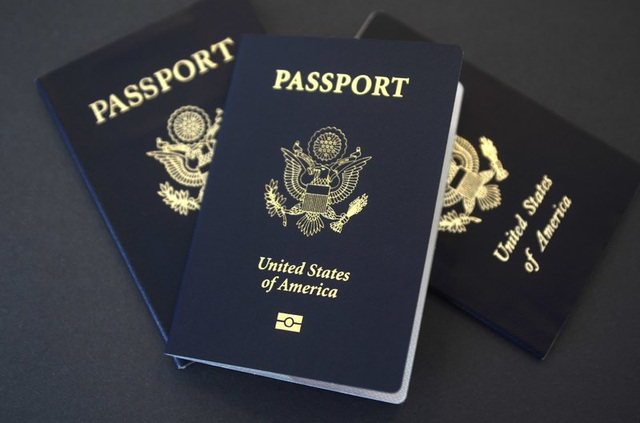 Cận cảnh tấm hộ chiếu nhiều đặc quyền của các Tổng thống Mỹ - 8