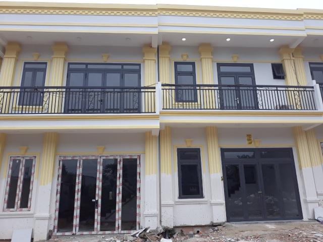 Vụ 26 căn nhà bất ngờ mọc lên: Phạt 280 triệu đồng, đình chỉ thi công - 3