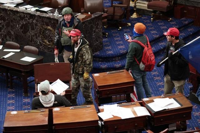 Nghi vấn người biểu tình âm mưu bắt cóc nghị sĩ Mỹ trong vụ bạo loạn - 1