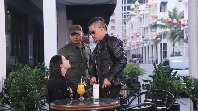 Đạo diễn Dương Ngọc Bảo thủ vai nam chính trong phim Luật đời - 1