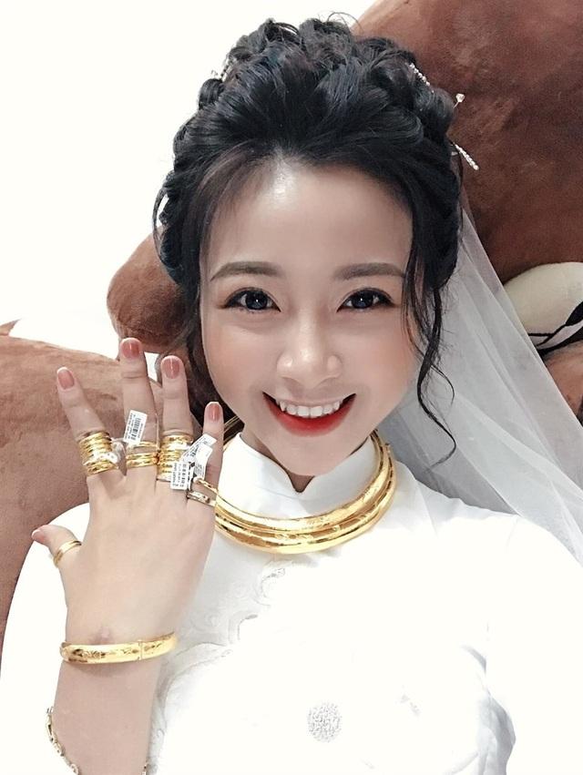 Mỹ nhân Việt đeo vàng trĩu cổ trong lễ Vu quy - 6
