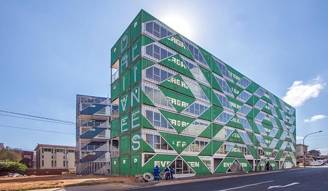Khó tin tòa chung cư 6 tầng làm hoàn toàn từ container - 2