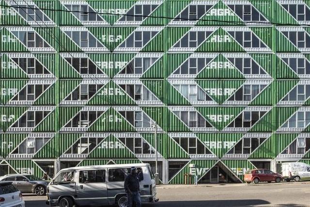 Khó tin tòa chung cư 6 tầng làm hoàn toàn từ container - 6
