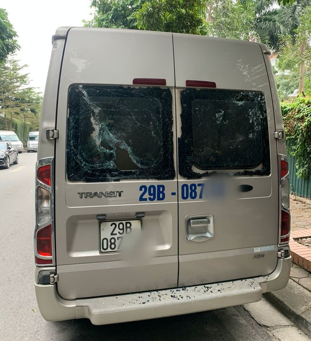 Hà Nội: Có hay không việc đập kính xe, ép tài xế gửi ô tô vào bãi lậu? - 2