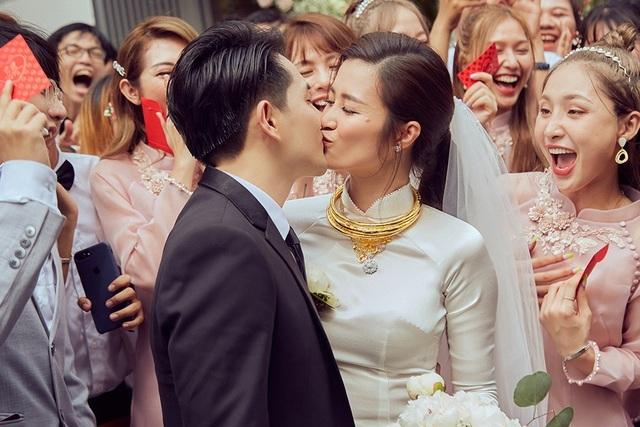 Mỹ nhân Việt đeo vàng trĩu cổ trong lễ Vu quy - 8