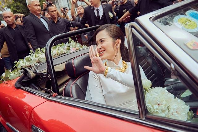 Mỹ nhân Việt đeo vàng trĩu cổ trong lễ Vu quy - 9
