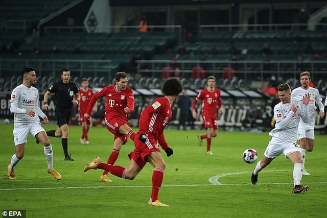 Bayern Munich thua sốc trên sân Monchengladbach - 2