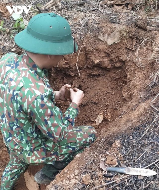 Chuyện về những người đi làm sạch đất trên biên giới Hà Giang - 5