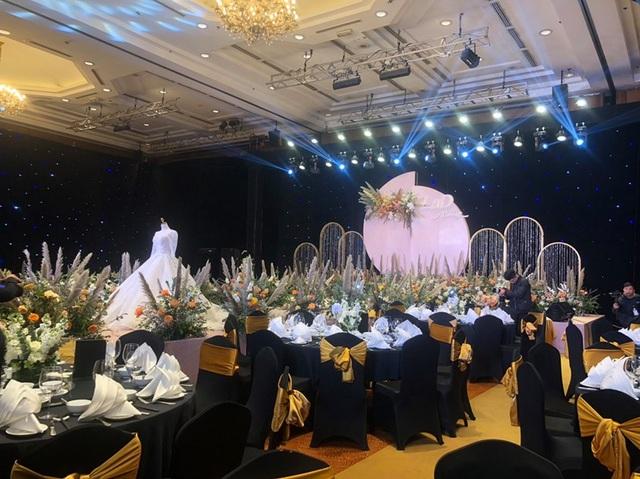 Lucky88 tổng hợp: Dàn sao đội tuyển Việt Nam dự lễ cưới Bùi Tiến Dũng tại Hà Nội