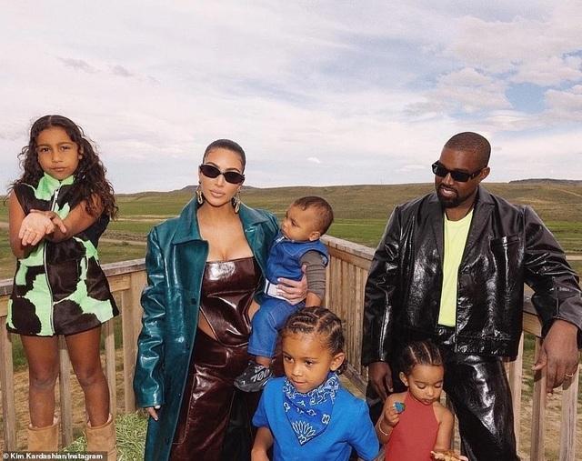 Khối tài sản kếch xù của vợ chồng Kim - Kanye - 3