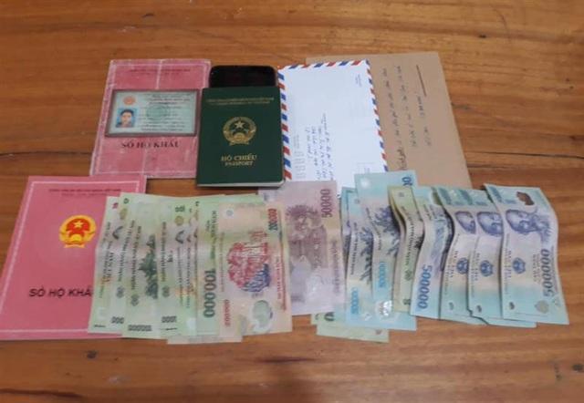 Lừa nhận làm visa, hộ chiếu... để chiếm đoạt tài sản - 2