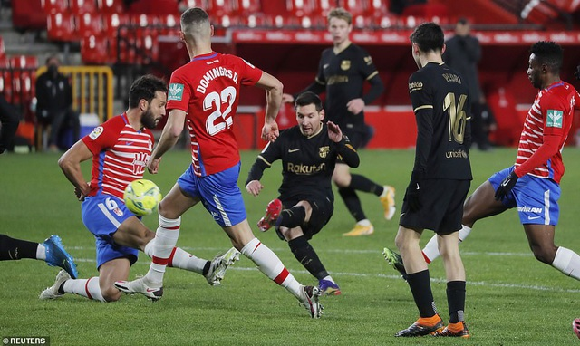Messi và Griezmann lập cú đúp, Barcelona thắng tưng bừng - 3