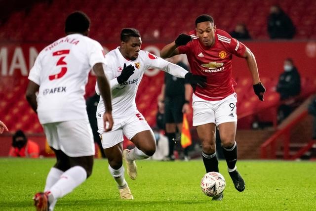 McTominay giúp Man Utd thắng trận trong lần đầu đeo băng đội trưởng - 11