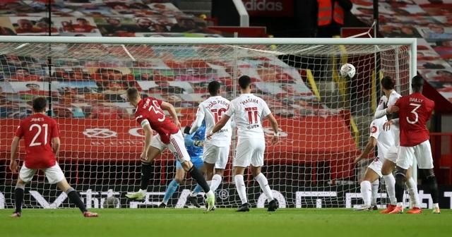 McTominay giúp Man Utd thắng trận trong lần đầu đeo băng đội trưởng - 5