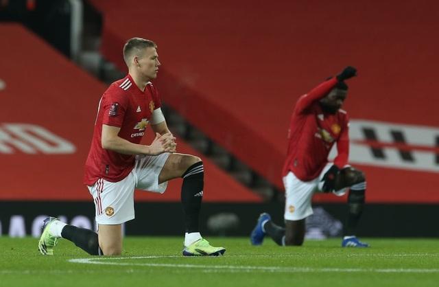McTominay giúp Man Utd thắng trận trong lần đầu đeo băng đội trưởng - 2
