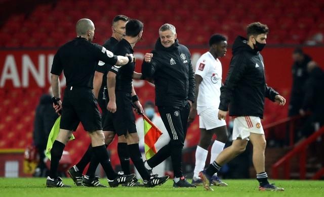 McTominay giúp Man Utd thắng trận trong lần đầu đeo băng đội trưởng - 15