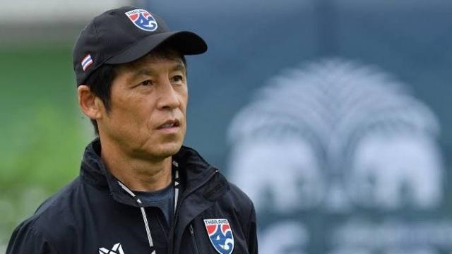 Bóng đá Thái Lan ủng hộ HLV Nishino tập trung lực lượng cho AFF Cup - 1