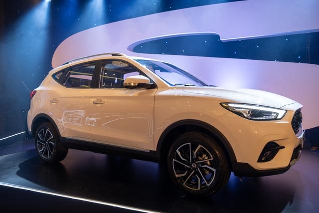 Chênh 100 triệu, MG ZS bản 2021 có gì để cạnh tranh Kia Seltos? - 1