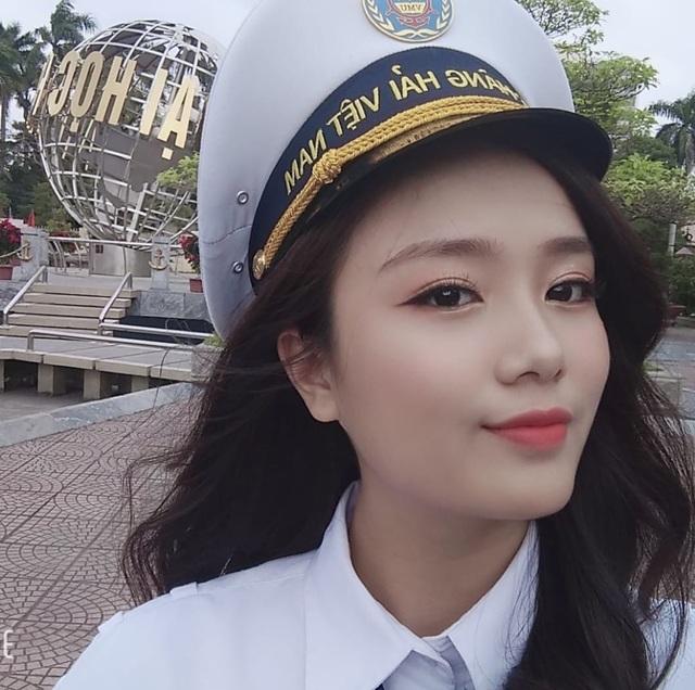 Nữ thần trường học của đại học Hàng hải - 1