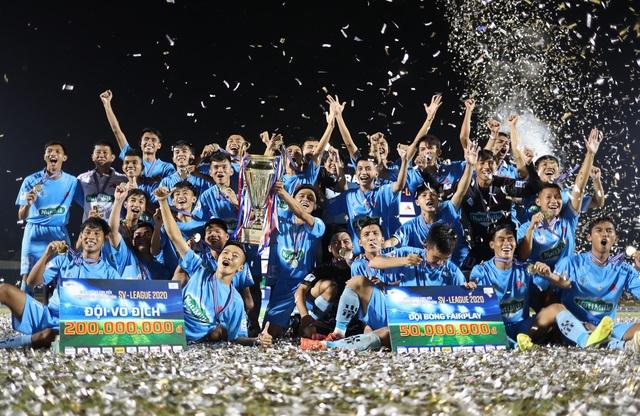 Đội vô địch SV-League 2020 nhận thêm niềm vui - 1