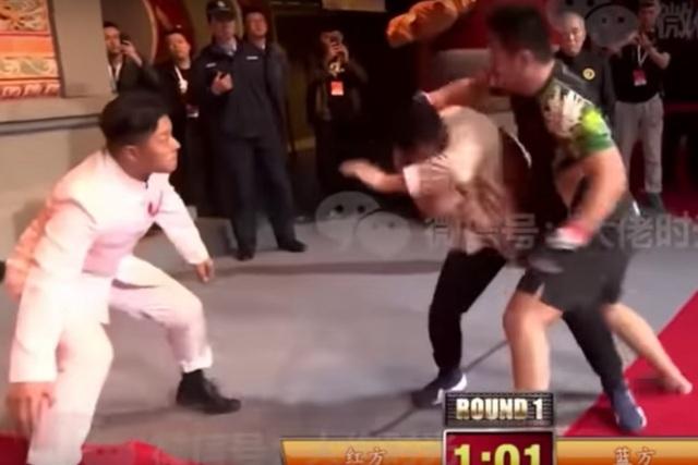 Đệ tử bốn đời của Diệp Vấn đánh thắng võ sĩ karate - 2
