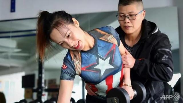 Nữ vận động viên thể hình mất một bên chân chiếm thiện cảm của công chúng - 3
