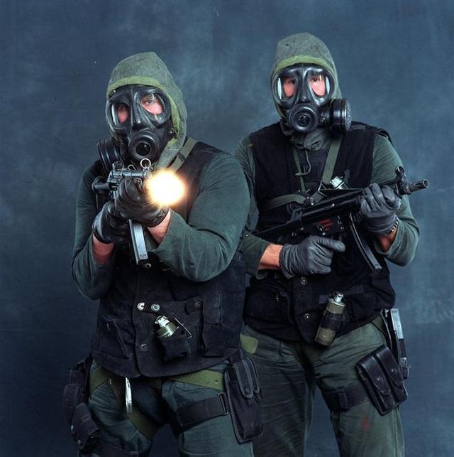 20 lính đặc nhiệm Anh được huấn luyện đặc biệt để đấu với người ngoài hành tinh - 1