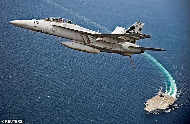 Siêu tàu sân bay đắt nhất thế giới của Mỹ liên tục gặp sự cố - 1