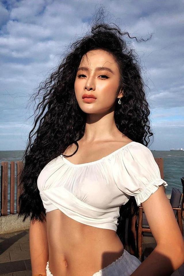 Angela Phương Trinh tái xuất sexy táo bạo sau thời gian ở ẩn - 4