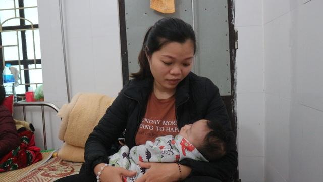 Thương người phụ nữ cùng lúc ôm 3 đứa con nằm viện khóc chồng ung thư - 5
