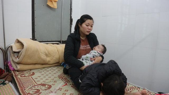 Thương người phụ nữ cùng lúc ôm 3 đứa con nằm viện khóc chồng ung thư - 4