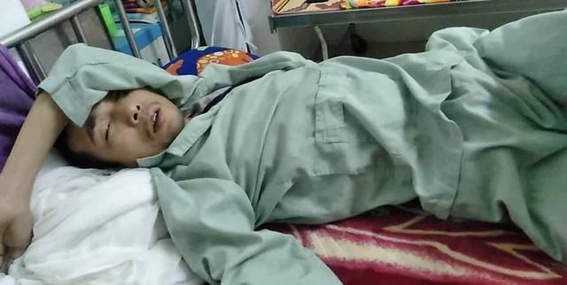 Thương người phụ nữ cùng lúc ôm 3 đứa con nằm viện khóc chồng ung thư - 2