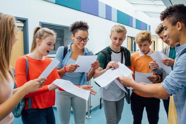 Anh hủy kỳ thi A-level và GCSE năm 2021 - 1