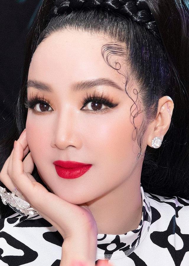 Hoa hậu U50 Giáng My khoe vẻ đẹp thách thức thời gian - 4