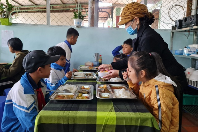 Bữa cơm 0 đồng dành cho hàng trăm người dân vùng cao Đắk Nông - 7