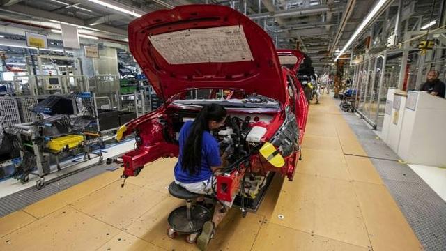 Hàng loạt hãng xe phải cắt giảm sản xuất vì cùng một lý do - 1