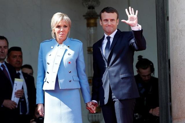 Tổng thống Pháp bị chỉ trích vì nghi chi ngân sách 600.000 USD mua hoa - 1