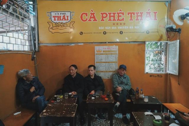 Quán cà phê có tuổi đời thách thức thời gian trên phố cổ Hà Nội - 5