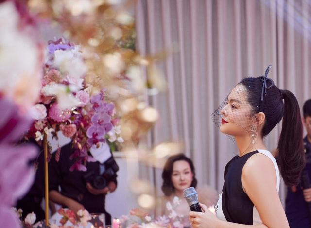 Hoa hậu U50 Giáng My khoe vẻ đẹp thách thức thời gian - 10