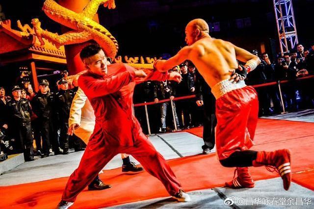 Đệ tử bốn đời của Diệp Vấn đánh thắng võ sĩ karate - 1