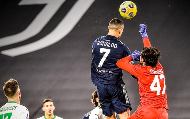 C.Ronaldo trở thành cây săn bàn số 1: Hãy cứ là đại bàng sải cánh! - 1