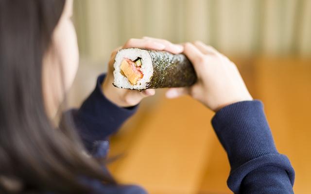 Sự yên lặng của những cuộn sushi - 1