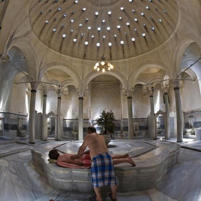 Những quốc gia có văn hóa tắm công cộng đặc sắc nhất - 1