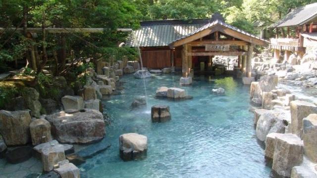Những quốc gia có văn hóa tắm công cộng đặc sắc nhất - 3