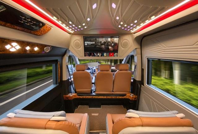 Thị trường vận chuyển hành khách nóng lên với DCAR Thu cũ đổi mới - 6