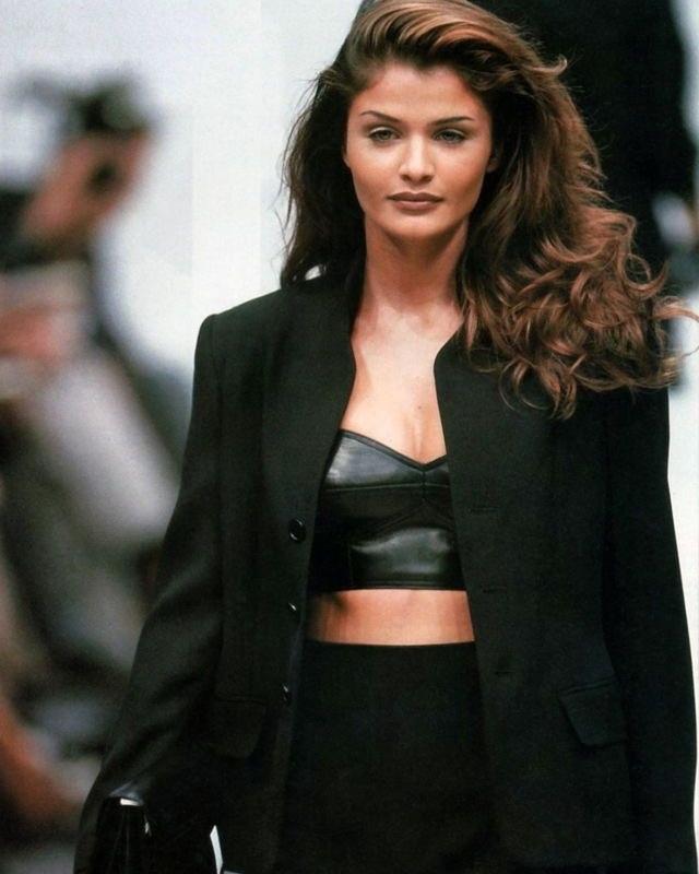 Hoa hậu Đan Mạch vẫn gợi cảm ở tuổi 52 - 8