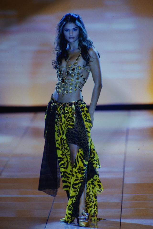 Hoa hậu Đan Mạch vẫn gợi cảm ở tuổi 52 - 7